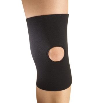 fbc47542ab The hole in the brace will encompass the knee cap and help to keep it on  track. Patella Brace