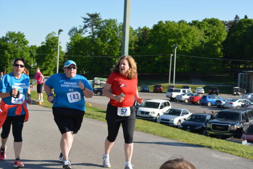 Niki with Coach Cheryl at the Run for the Deaf 2004