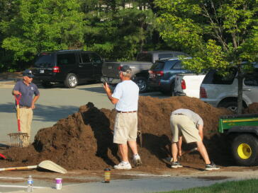 UNC Facilities Crew mulch