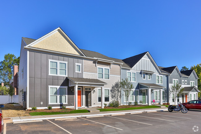 Photo of Chandler Commons Town Homes located in Rock Hill, SC