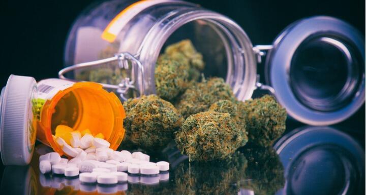 Hemp buds and pills
