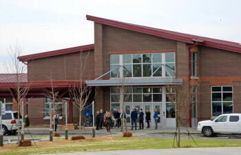Aberdeen Elementary front entrance