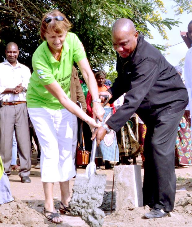 Planet Aid, teacher training, graduation, Mozambique