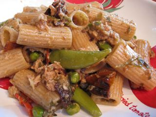 whole wheat rigatoni with tuna