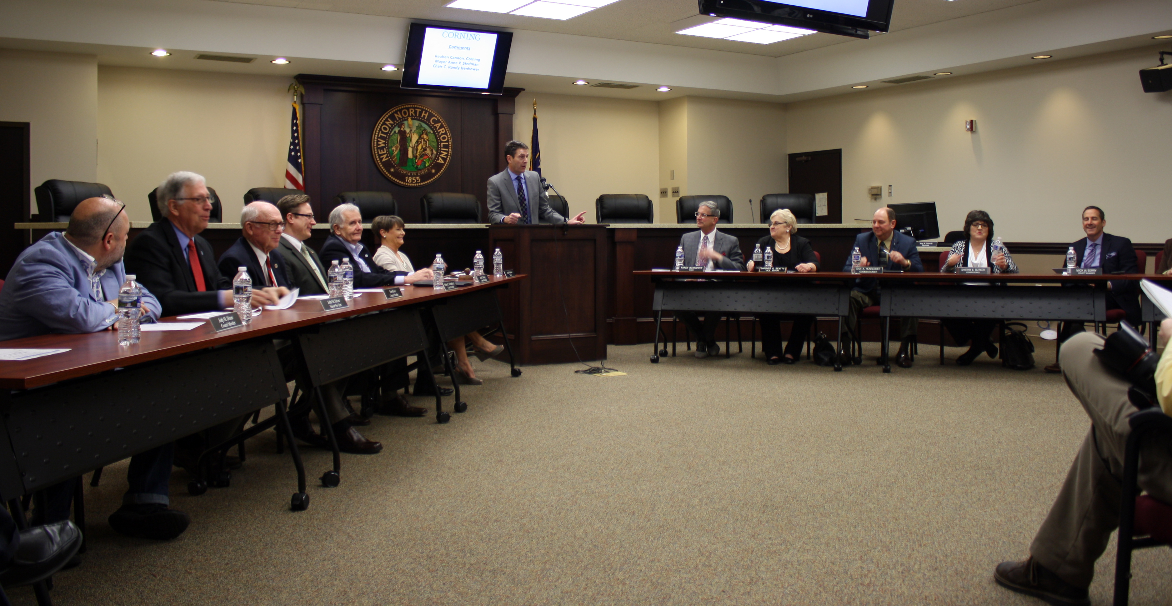 Scott Millar, Catawba EDC President, addresses a joint meeting of the Newton City Council and the Catawba County Commissioners.  (Photo: Alex Frick, City of Newton)