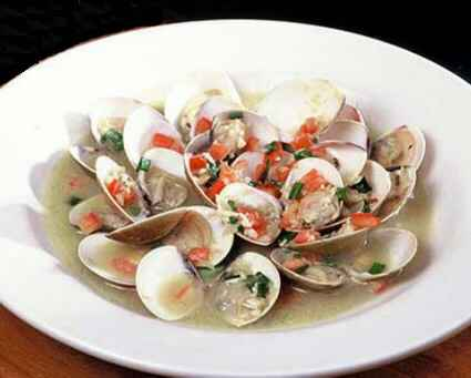 Clams with Tomatoes