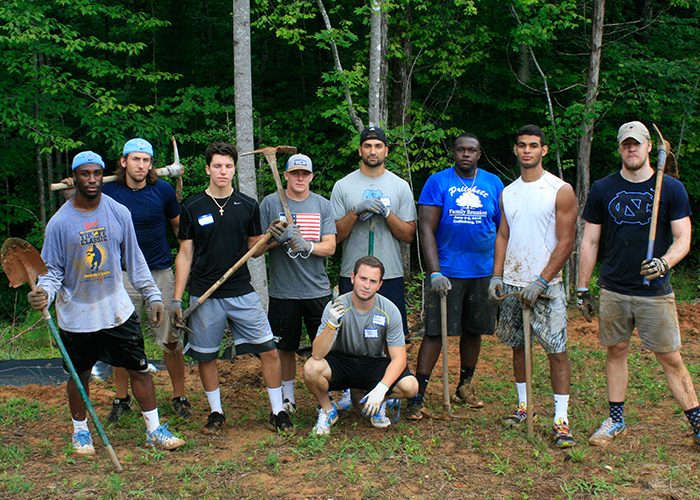 UNC Athletes Volunteer with Habitat